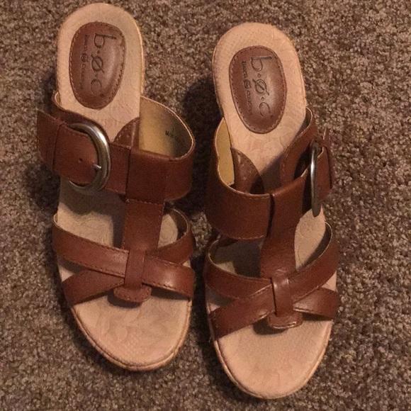 2d1d33a60ee584 b.o.c. Shoes - EUC brown wedge sandals. Size 7
